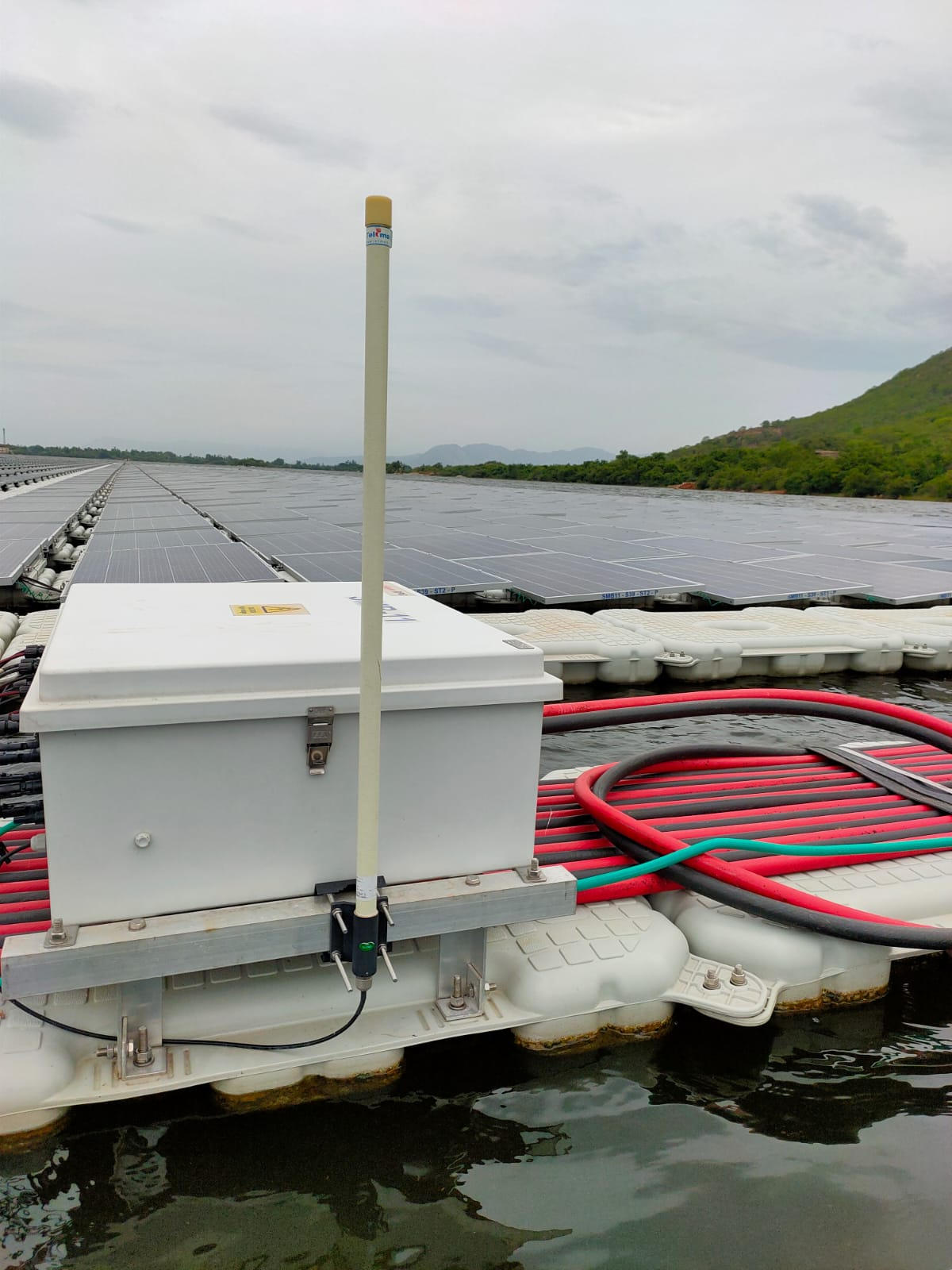 https://www.advanticsys.com/wp-content/uploads/2020/10/4mwp-floating-solar-pv-project-in-andhra-pradesh_photo3.jpeg