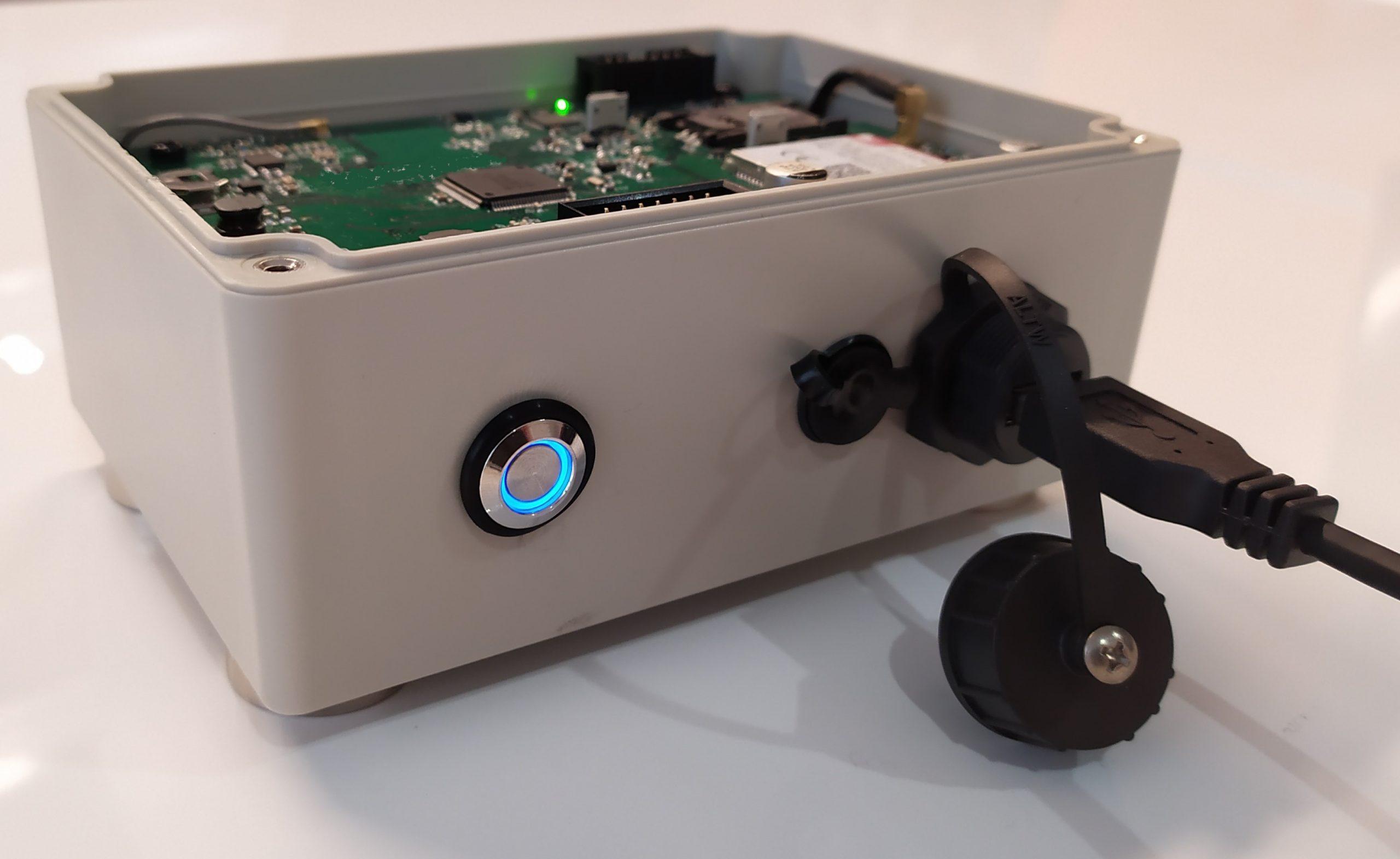 https://www.advanticsys.com/wp-content/uploads/2020/11/Construction-Machinery-IoT-box-scaled.jpg