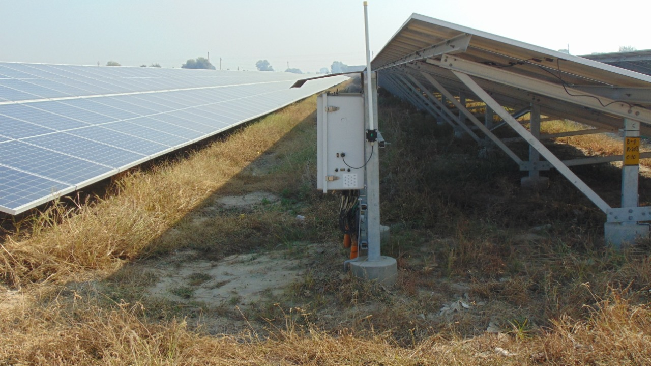 https://www.advanticsys.com/wp-content/uploads/2021/02/50MW_Solar_Plant_Harayana_2.jpeg